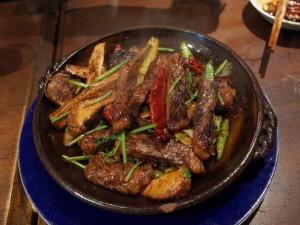 和牛とマコモ茸の香菜野菜強火炒め|ナポレオンフィッシュ