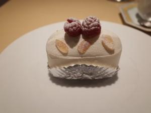 シェフの人生が込められた、世界一パティシエの最高峰ケーキ