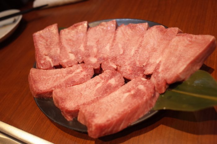 浜松の名店が東京に進出!秘伝のタレ肉で白飯を喰らう!