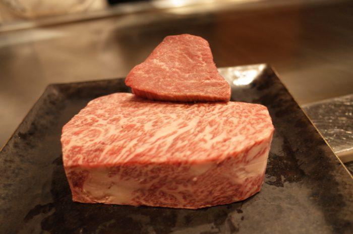 美しい景色と分厚い肉は胃袋を躍らせる!