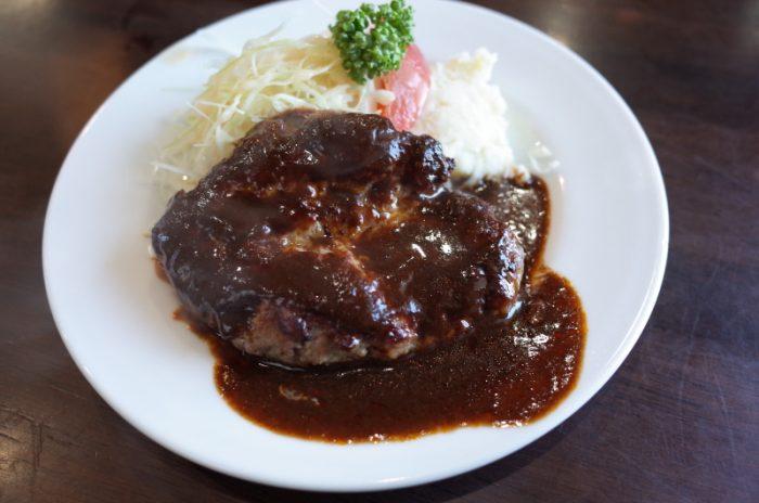 昭和の洋食の味を受け継ぐハンバーグ