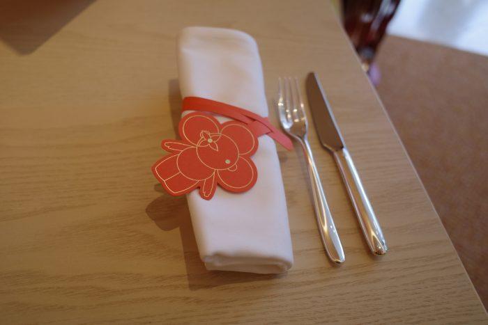 世界初のレストランカフェへ
